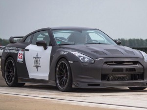 Nissan GTR_1
