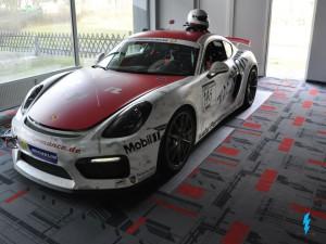 Porsche Cayman GT4_1